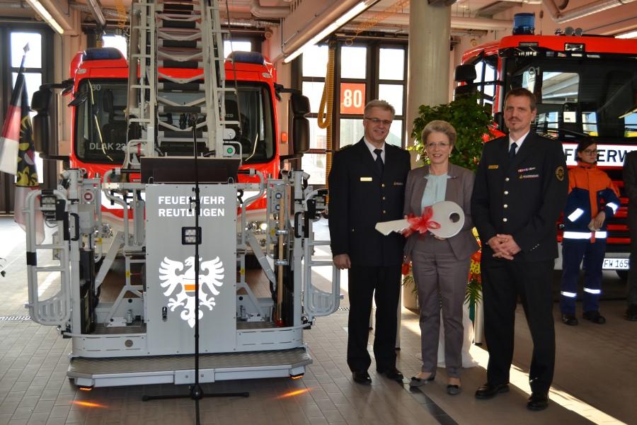 Feuerwehrkommandant Harald Herrmann, Oberbürgermeisterin Barbara Bosch, Martin Reicherter, Abteilung Technik
