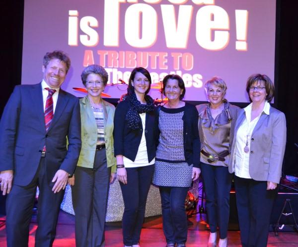 von links nach rechts: Marc Oßwald, Oberbürgermeisterin Barbara Bosch, Maike Stengel, Elfrun Stengel, Anja Adelmann und Petra Roser