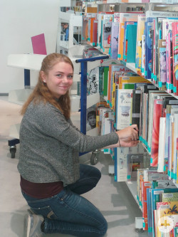 Katrin in der Roanner Mediathek
