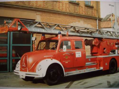 Drehleiter der Feuerwehr Reutlingen es handelt sich um einen alten Magirus