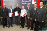 """Gruppenfoto mit den Gewinner der Auszeichnung """"Partner der Feuerwehren"""""""