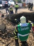 So waren heute Einsatzkräfte der Berufsfeuerwehr und der Abteilung Freiwillige Feuerwehr Stadtmitte am Morgen bei einem Gasaustritt in der Carl-Diem-Straße gefordert