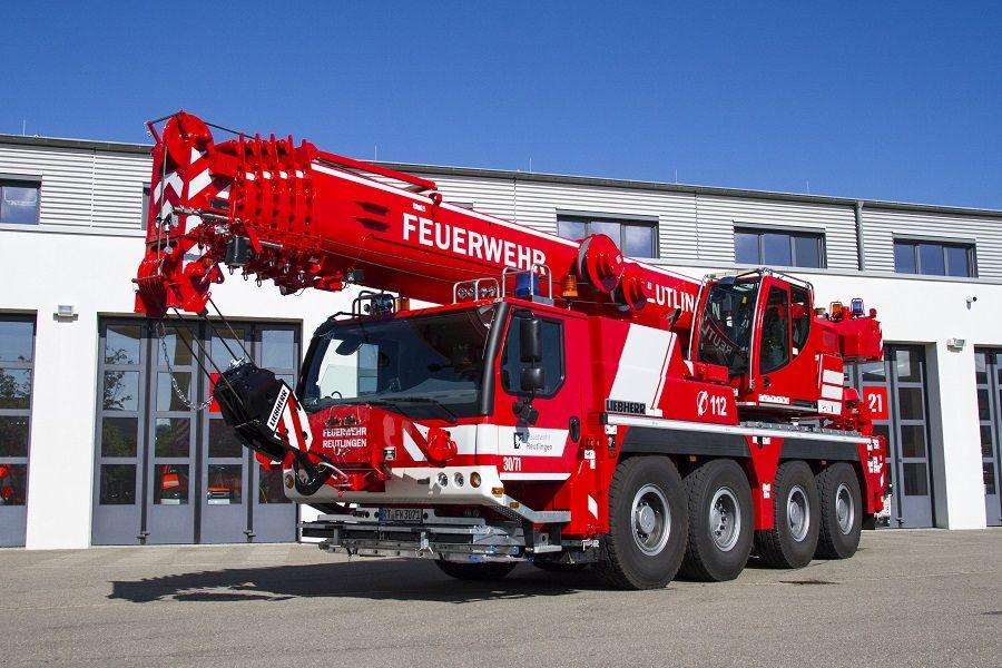 Feuerwehrkran mit 70 Tonnen Hubkraft der firma Liebherr