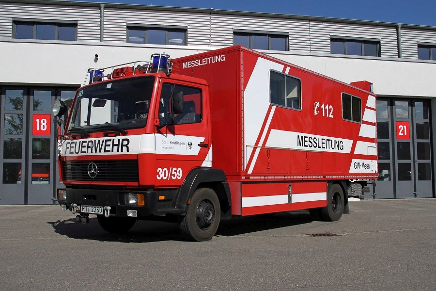 Gerätewagen Messtechnik Eigenausbau der Feuerwehr Reutlingen mit Kofferaufbau