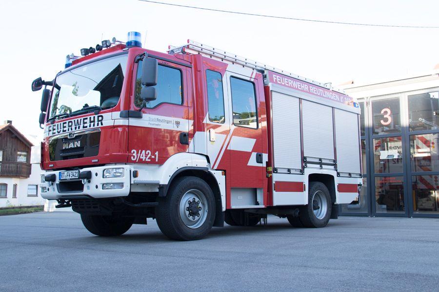 1 Löschgruppenfahrzeug 10 zur Brandbekämpfung und einfachen technischen Hilfeleistung