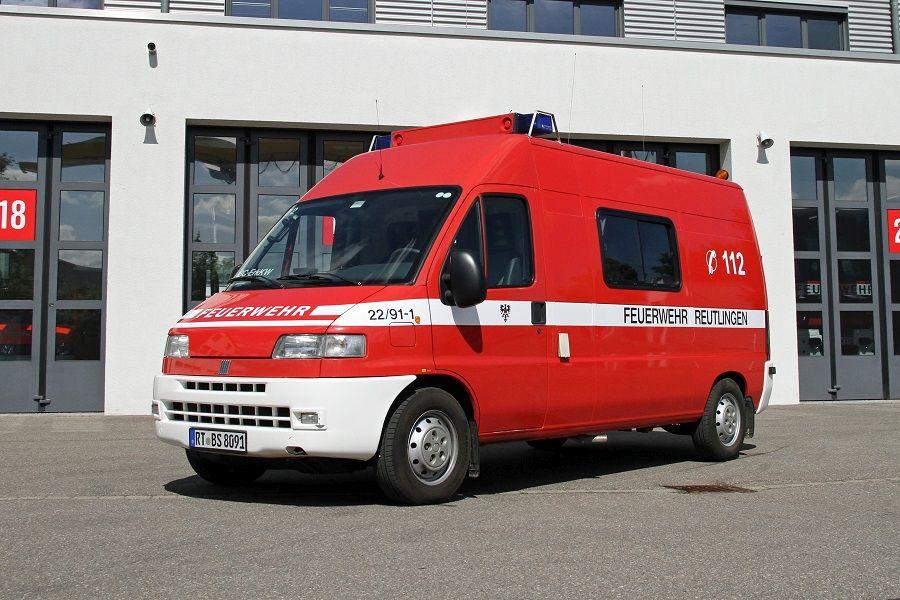 Der CBRN-Erkundungswagen (CBRN ErkW) auch CBRN-Erkunder genannt dient dem Messen, Spüren und Melden radioaktiver und chemischer Kontaminationen