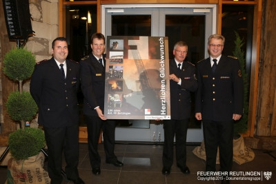 Übergabe Geschenk zu 150 Jahre Freiwillige Feuerwehr Reutlingen Abteilung Betzingen