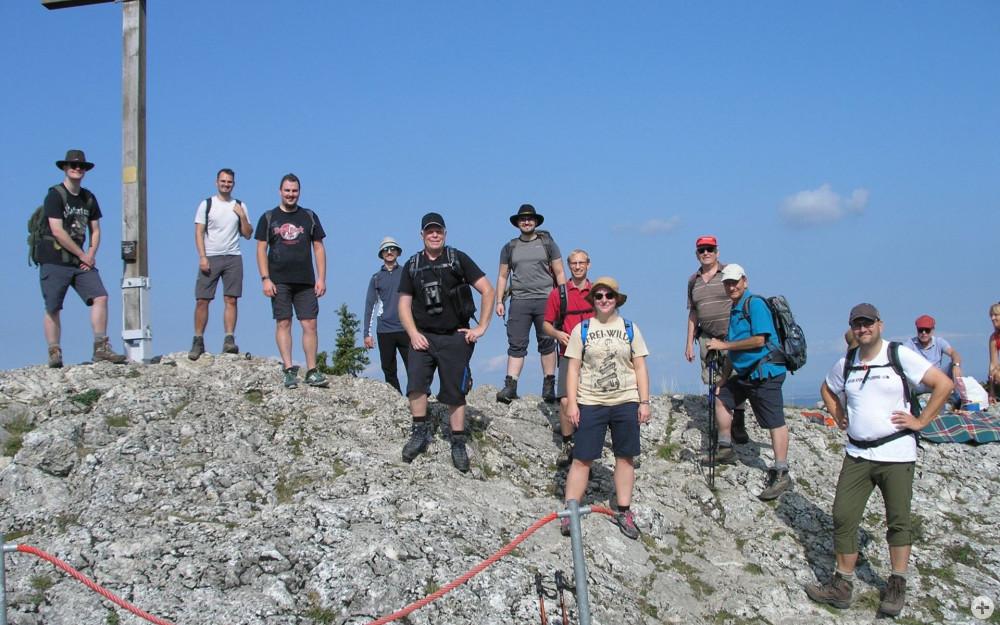 Gruppenfoto der Wandergruppe auf dem Lochen
