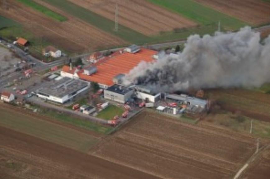 Luftbild vom Großbrand bei der Firma Bosch im Jjahr 2006