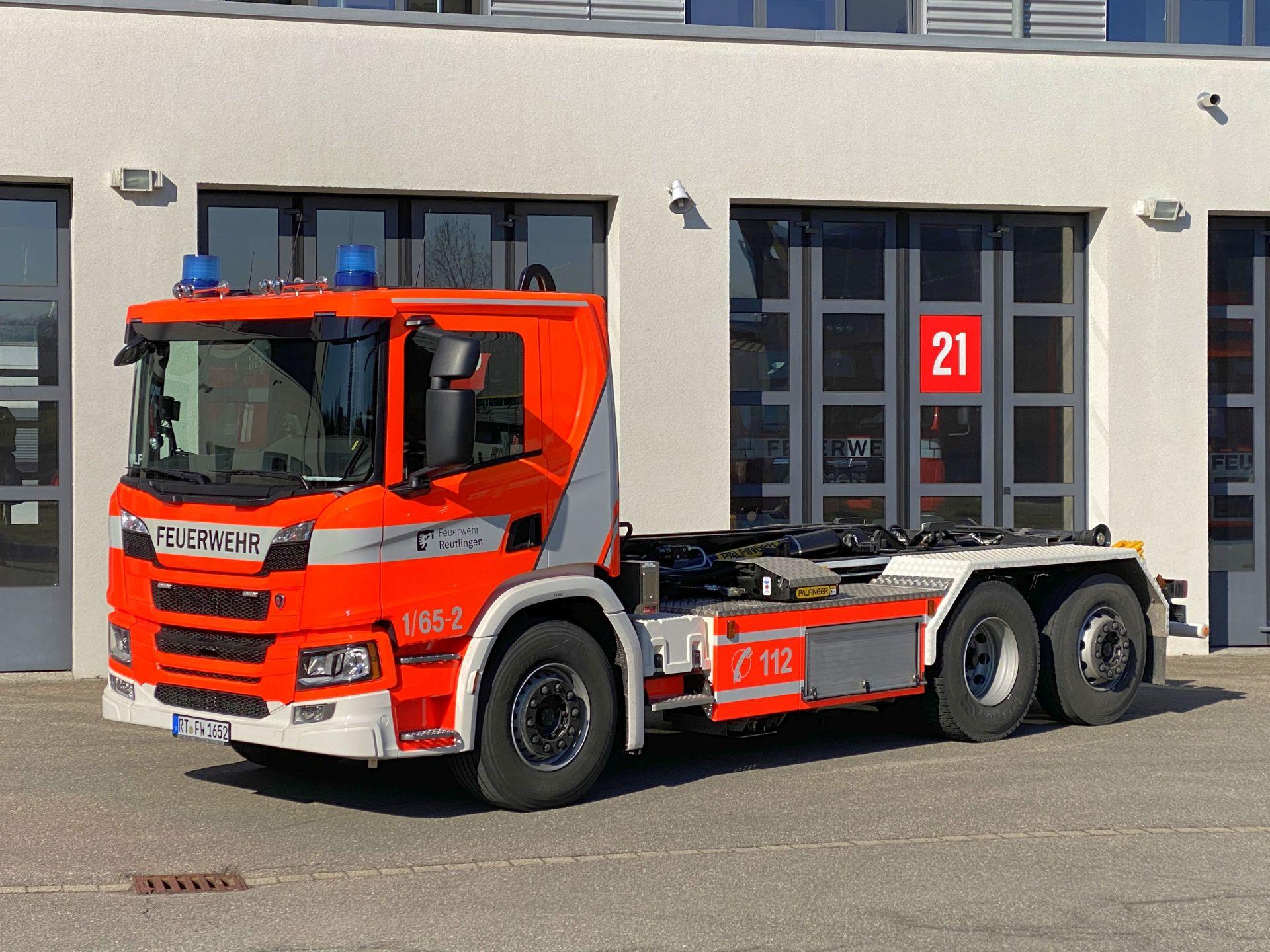 Wechselladerfahrzeug 2 Fahrgestell Scania Aufbau Firma Neff Baujahr 2020