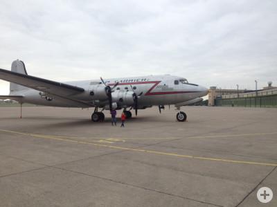 rosinenbomber auf dem Vorfeld in Tempelhof