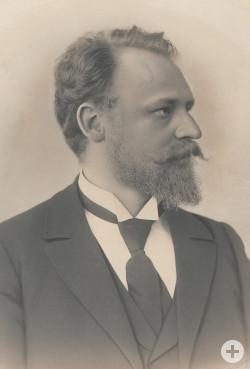 Das Porträt zeigt den noch jungen Otto Johannsen, als er 1892 die Leitung der Reutlinger Spinn- und Webschule übernommen hatte. StadtA Rt., N 30 Nr. 21