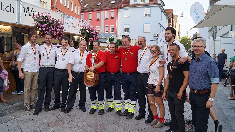 Fassrollen Weindorf 2016