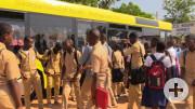Schüler vor dem Reutlinger Bus