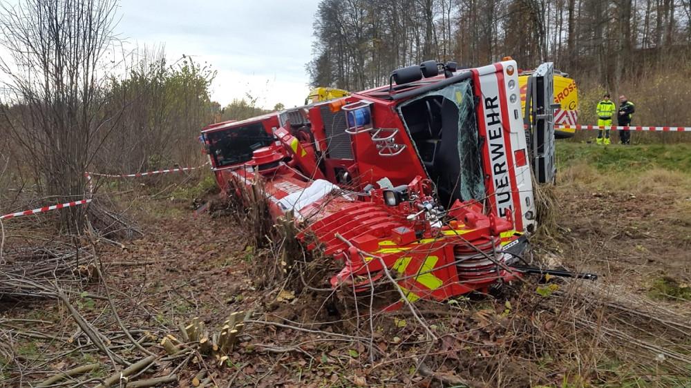 Der umgestürzte Feuerwehrkran