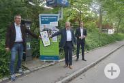 Peter Wilke, Leiter des Amts für Wirtschaft und Immobilien, OB Thomas Keck und Park-Now-Geschäftsführer Marko Hrankovic geben den Startschuss fürs Handyparken (v.l.)Marko Hrankovic